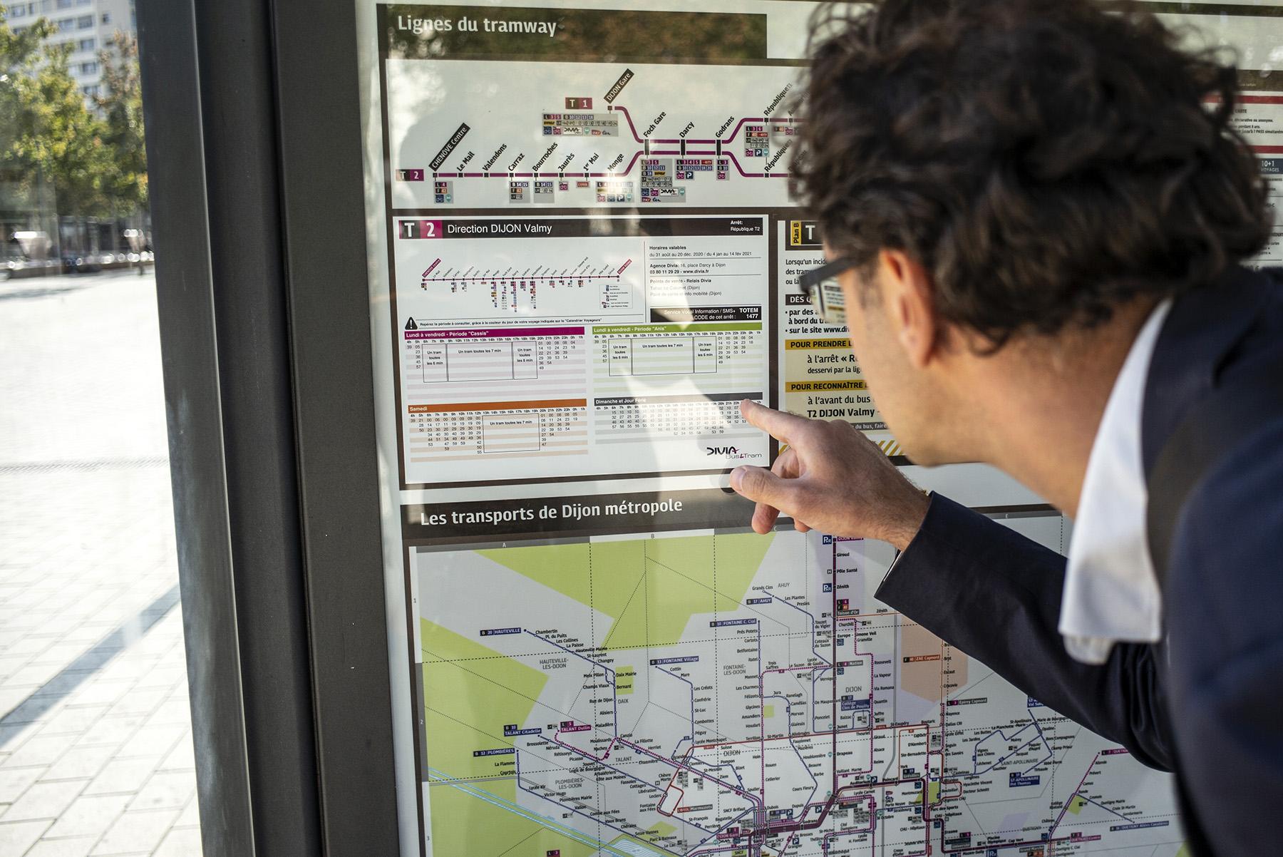 Le calendrier voyageurs bus et tram DiviaMobilités   Dijon